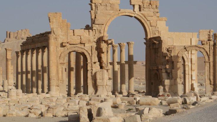 Arco di Settimio Severo nella via colonnata di Palmira - Siria
