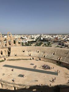Vista sulla città dall'interno dell'anfiteatro