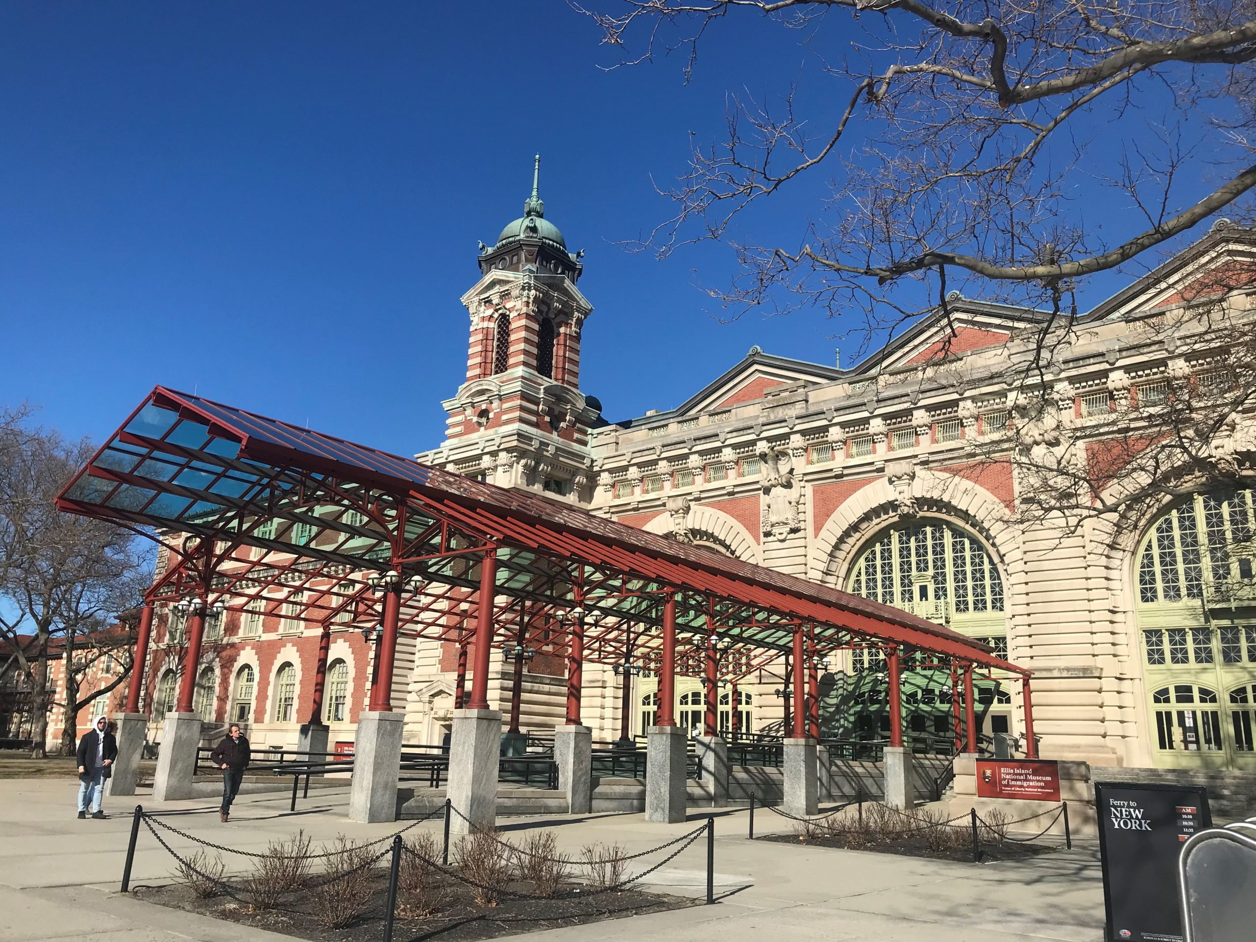 L'entrata del Museo dell'Immigrazione a Ellis Island