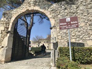 L'ingresso dell'Abbazia